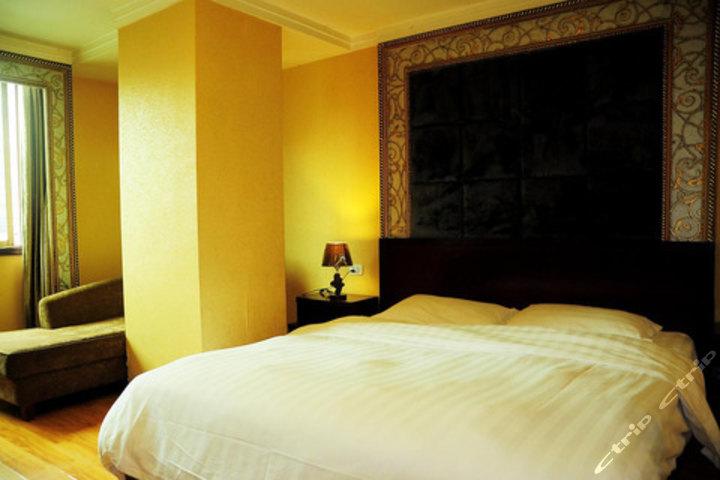贵阳商港酒店喷水池店