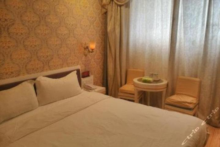 钟祥皇廷酒店