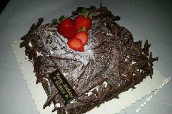 价值168元黑森林8寸正方形蛋糕