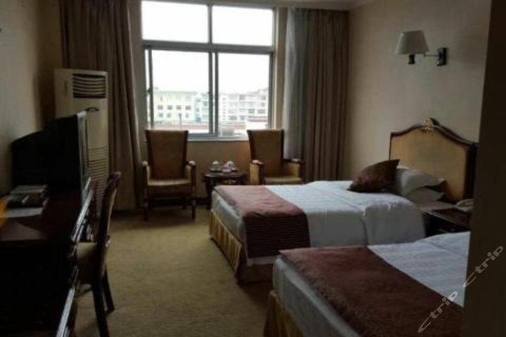 山南龙马宾馆