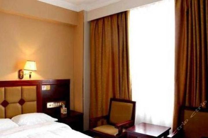 格子微酒店贺州店