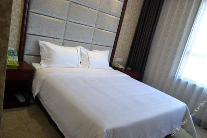 肇东金威假日酒店