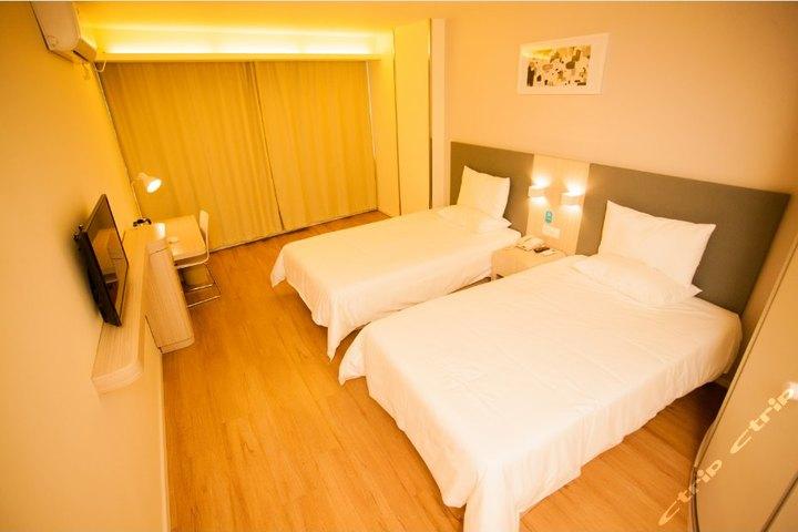 (新品)汉庭酒店(青岛海尔路国际会展中心店)-双床房(特价)