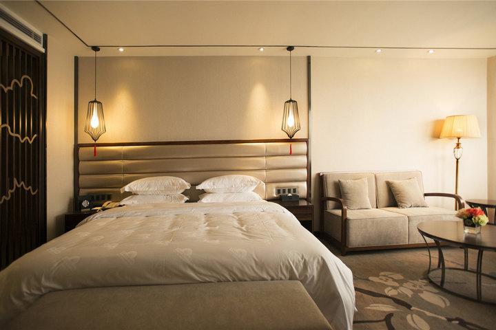 背景墙 床 房间 家居 家具 酒店 设计 卧室 卧室装修 现代 装修 720