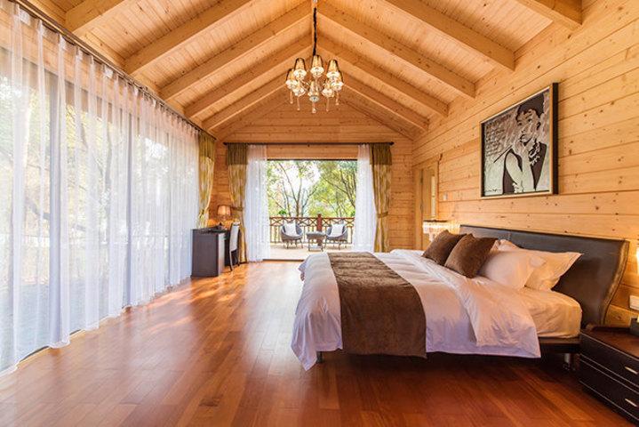 【含早】尊享美的鹭湖森林度假区木屋酒店客房1晚 泳池门票2张 免费