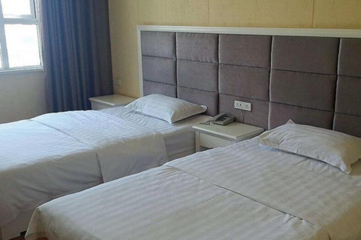 潜江V8假日酒店