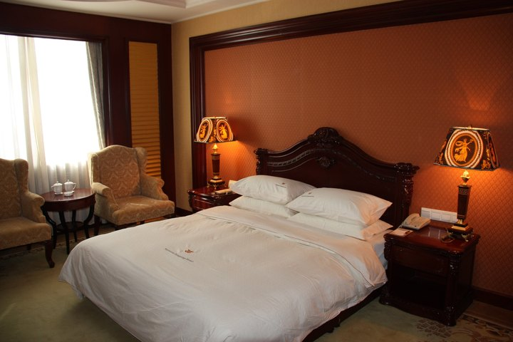 阿尔山海神温泉大酒店(豪华单间)