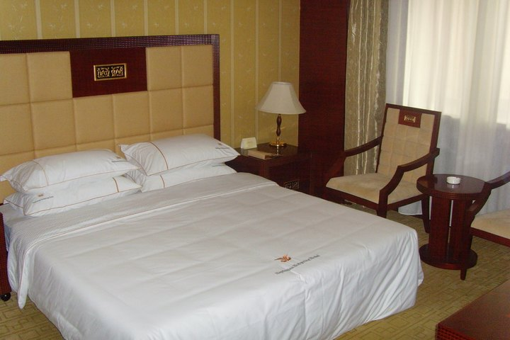 阿尔山海神温泉大酒店(豪华三人房)