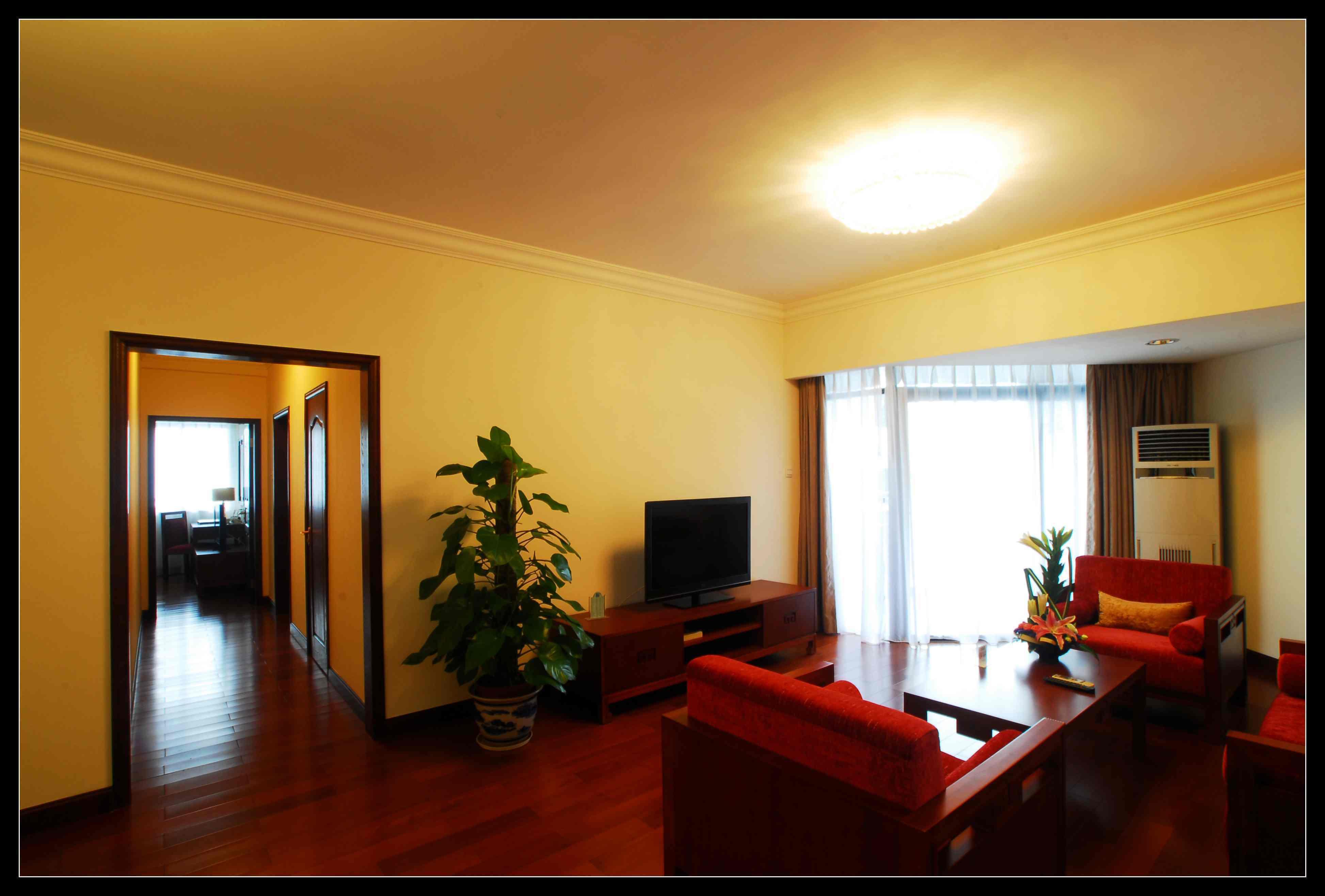 深圳明华国际会议中心-家庭度假套房a型两室一厅(携程贺新春)