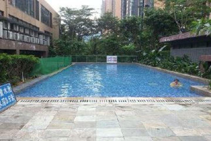 心岸春天花园泳池