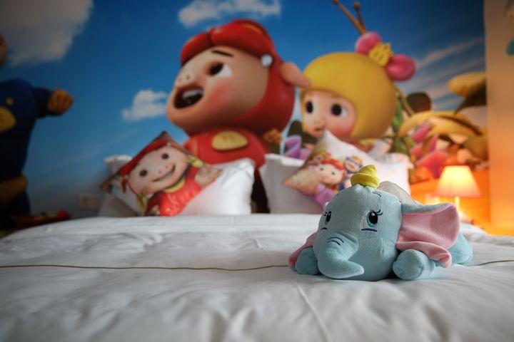 广州长隆儿童动物总动员主题式酒店公寓-猪猪侠双床度假房