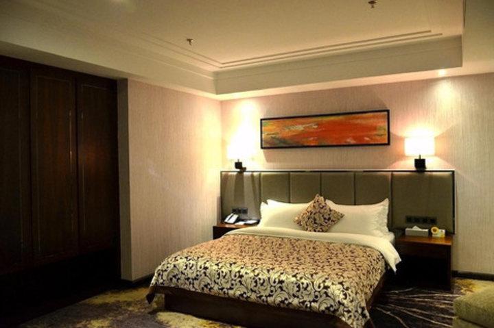 云浮云城区南湾河畔酒店