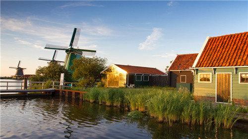 浪漫春季9天7晚 荷兰 法国(郁金香,风车,红酒,古堡)