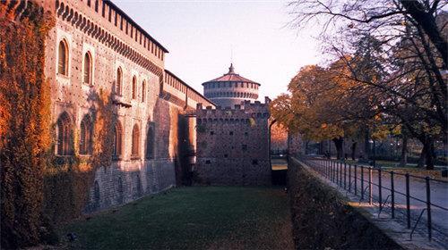 女巫城堡简笔画彩色