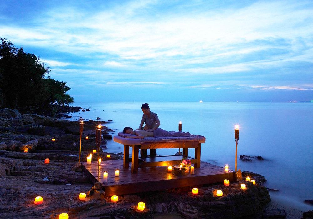 100平方米    帕拉迪度假酒店坐落于沙美岛种植了棕榈树的海滩,提供
