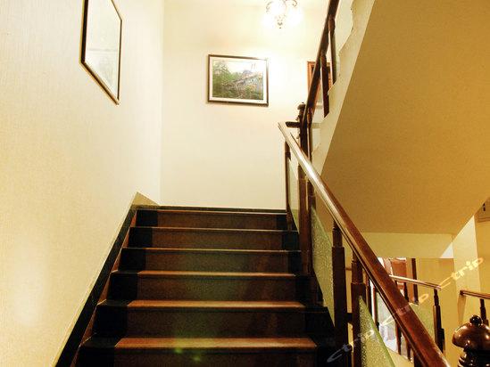 峨眉山仙山饭店楼梯