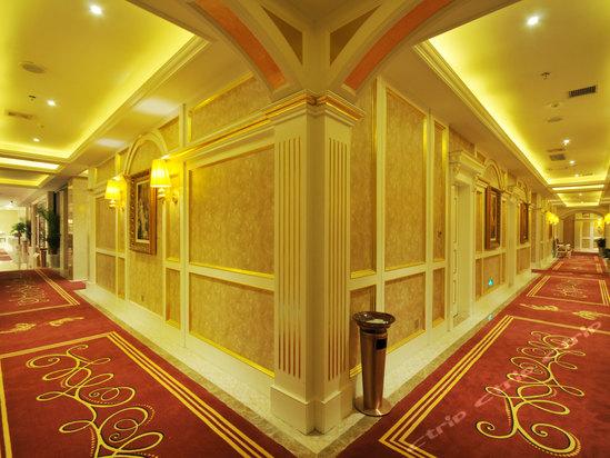 十堰皇家城堡国际酒店是十堰首家全欧式精品酒店