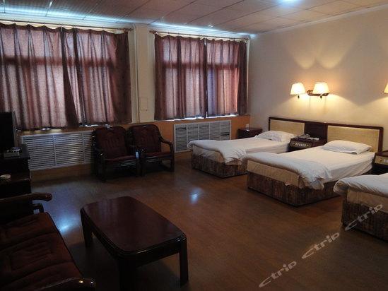 汇泉路2497号,章丘文化中心宾馆的地址