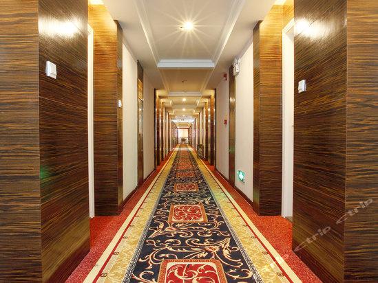 酒店设施齐全,装修豪华典雅