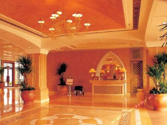 海南皇冠滨海温泉酒店