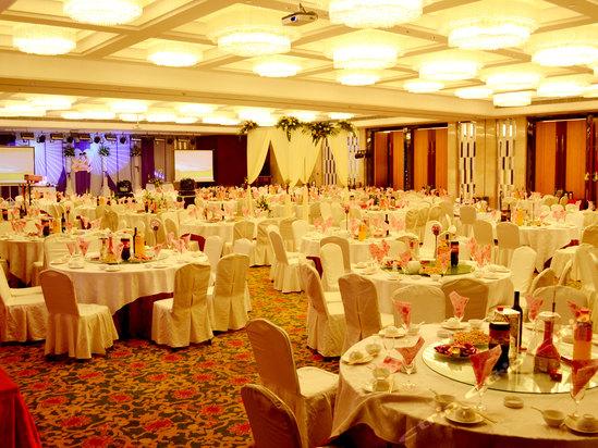 vip   青岛海都大酒店位于青岛经济技术开发区行政商贸中心,东临开发