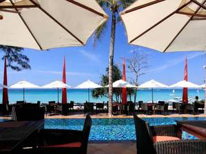 Kata Beach Resort And Spa(卡塔海灘溫泉度假酒店)
