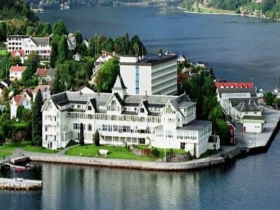 http://q.bstatic.com/images/hotel/max1024x768/749/74972561.jpg_kviknes hotel