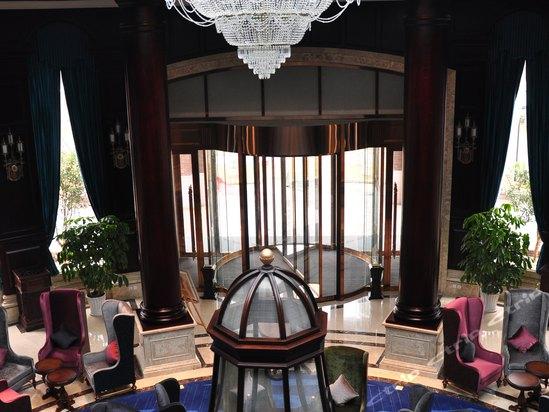 武汉光谷科技中心欧式园林豪华酒店