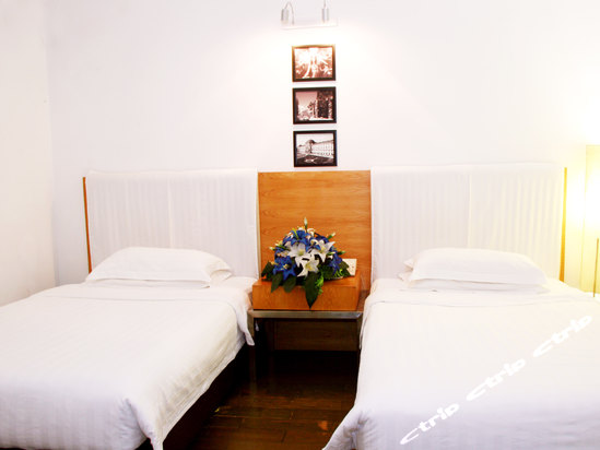 北海珍珠湾海景酒店是一家度假,休闲酒店,座落于著名的外沙海鲜岛内