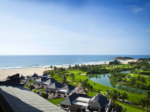 """海南雅居乐莱佛士酒店1晚,拥超细腻""""会唱歌""""的私家沙滩,巴厘岛与海南风情结合【清水湾奢华六星级】"""