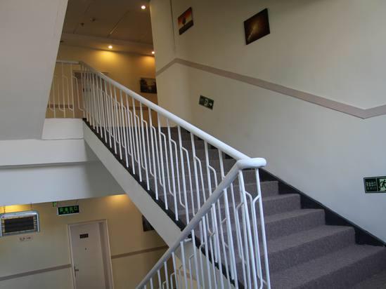 农村两间房楼梯设计图展示