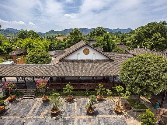 它是湖南省首家野生动物园