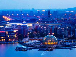 泰晤士小镇内的欧式风情!上海立诗顿酒店1晚+可加购上海欢乐谷门票・去狂欢!也可以前往佘山去亲近自然&上海近郊