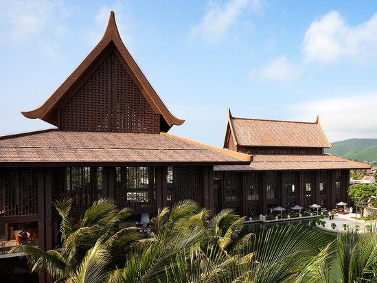 泰式家庭泳池别墅图片