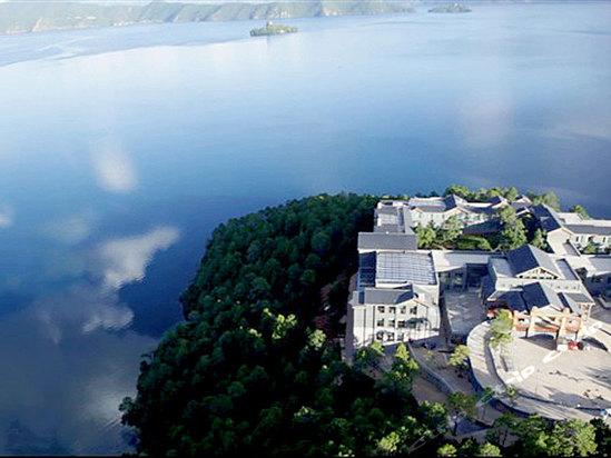 丽江泸沽湖银湖岛大酒店