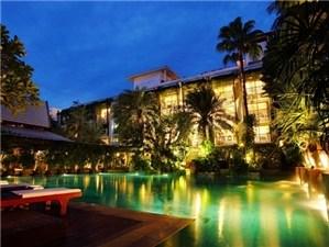 Burasari Patong Resort Phuket(普吉島布拉莎麗酒店)