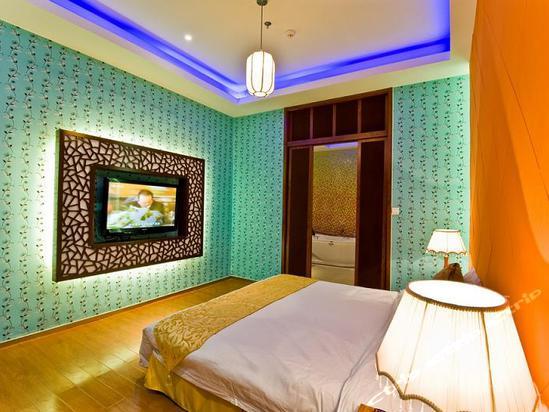 苏州桃花坞创意汽车宾馆提供专属的停车位与房间图片