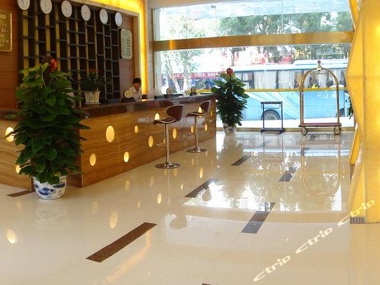 深圳路45号,北海泽霖宾馆的地址
