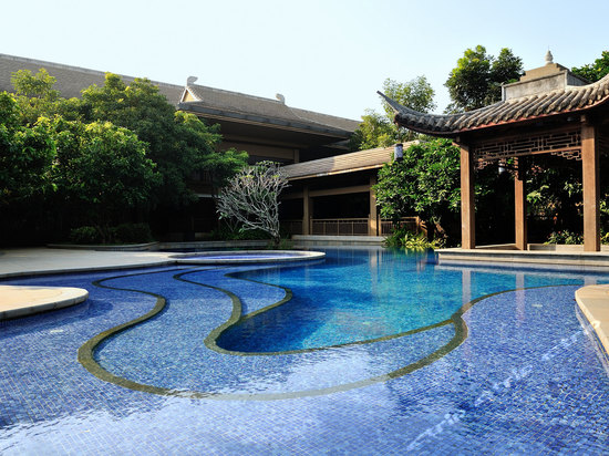 "<a href=""http://hotels.ctrip.com/pic-pid25702948/431217.html"" name=""needTraceCode"" data-dopost=""T"" >海口鸿洲埃德瑞皇家园林酒店公共区域</a>"