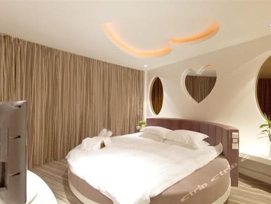 旅店位于宁波市海曙区联丰中路,靠近火车客运站,长途汽车站,飞机场,市