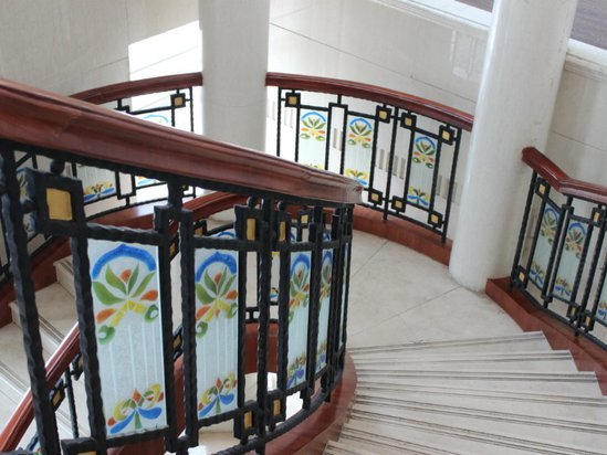 饭店楼梯墙手绘