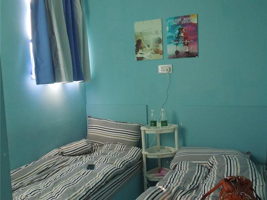 房间是小了点,但是内饰很简单可爱