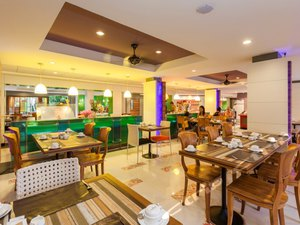 Patong Beach Hotel Phuket(普吉島芭東海灘酒店)