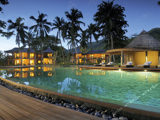 酒店设有水下水族馆和广阔的水上乐园