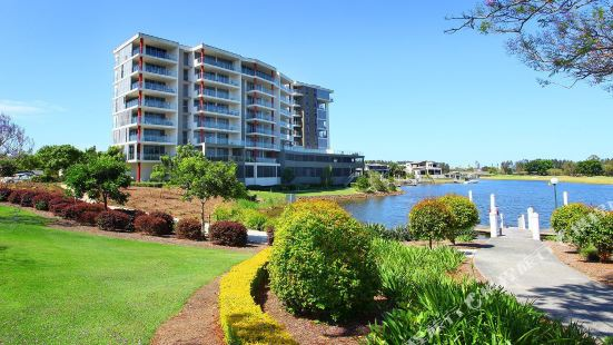 Signature Waterfront Apartments