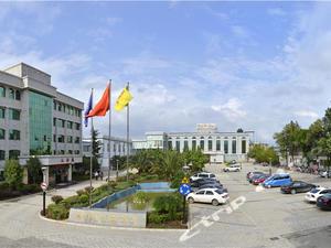 曲靖陸良桂華花園酒店