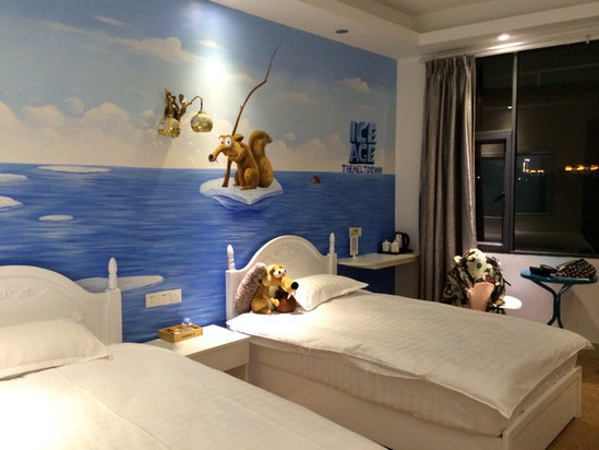 背景墙 房间 家居 酒店 设计 卧室 卧室装修 现代 装修 549_412