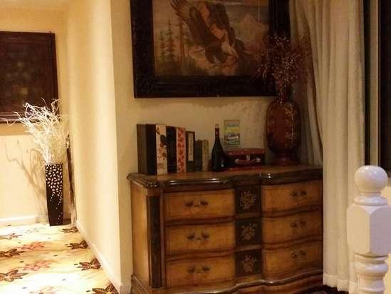 客栈设施很新,房间欧式风格打扮,简约而干净.