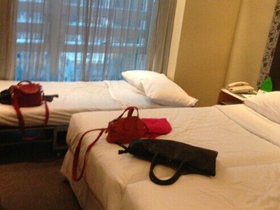 说三人房间,其实就是三人房床