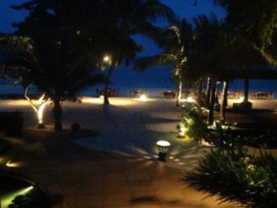 夜晚的海滩